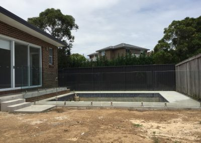 Installing Glass Pool Fencing